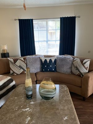 Secotional couch from Havertys furniture for Sale in Arlington, TX