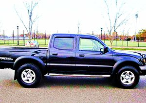 ֆ14OO 4WD Toyota Tacoma 4WD for Sale in Joint Base Lewis-McChord, WA