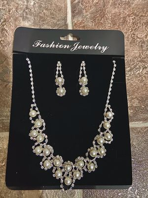 Brand New Never Used Pearl and Diamond Necklace and Earring Set for Sale in Covina, CA