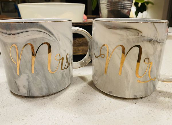 Mr. and Mrs. mugs (gray/white marble with gold)