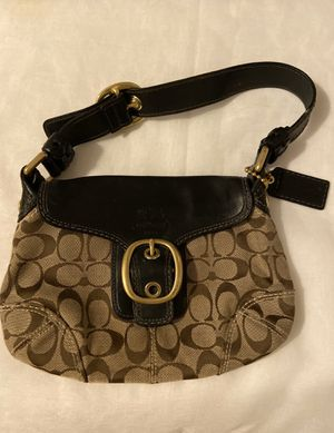"""Coach Shoulder Bag Brown Signature C Black leather accents Gold hardware accents Gold has some distressing from Age Rest nice! 9"""" across top 7.5"""" Ce for Sale in Glastonbury, CT"""
