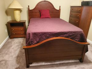 Solid wood full size bedroom ( lowest price I'm going) for Sale in Chattanooga, TN