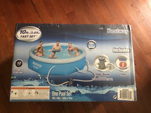 Bestway 10x30 in Fast Set Swimming Swim Pool Pump + Filter included for Sale in Alexandria, VA