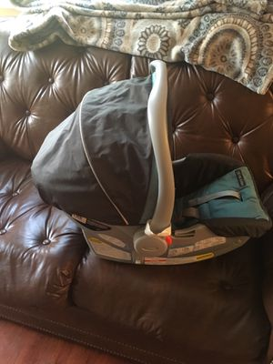 Infant car seat for Sale in Capitol Heights, MD
