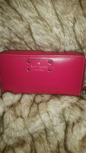 Kate Spade Zippered Wallet for Sale in Las Vegas, NV