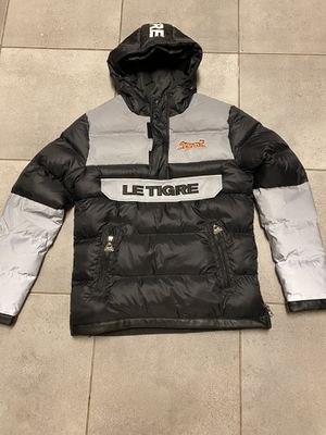 Le tigre Puffer pull over hoodie , jacket size Medium for Sale in Raleigh, NC