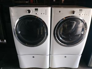 Electrolux washer and electric dryer set for Sale in Fresno, CA
