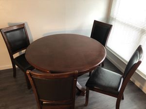 100% Oak Dining Table with 4 Chairs, Excellent condition for Sale in Yuba City, CA