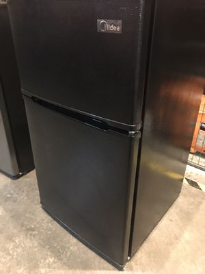 $90 USED but in great condition Midea freezer and mini refrigerator 3.1 cu ft. Black color double door for Sale in El Monte, CA