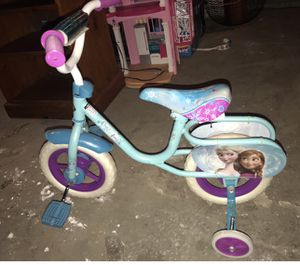 Toddler girl frozen bike for Sale in Chicago, IL