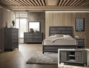 Bedroom set Queen bed +Nightstand +Dresser +Mirror +free Chest $649 for Sale in South Gate, CA