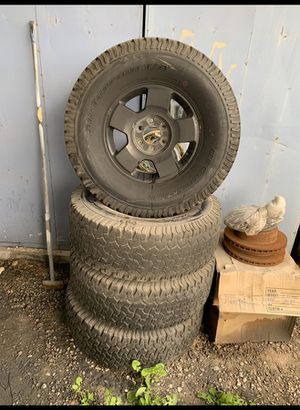 04-08 f150 Black rims and tires for Sale in Las Vegas, NV