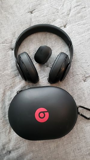 Beats studio 3 edition matte black wireless headphones for Sale in Brea, CA