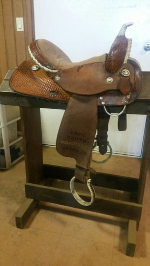 B&S trophy barrel saddle for Sale in Mingo, IA