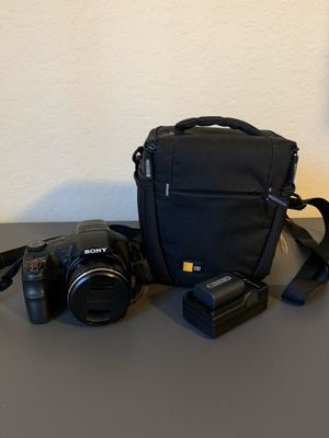 Sony Cyber-shot 18.2 MP Digital Camera, 30x Optical Zoom, 3 inch LCD for Sale in Alafaya, FL