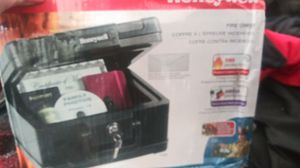 Honeywell Fire chest personal safe for Sale in Lynnwood, WA