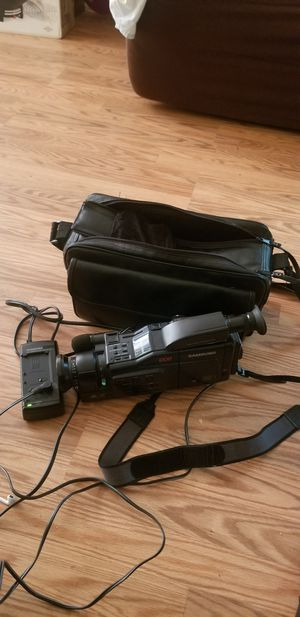 8mm Samsung Camcorder, working conditions for Sale in Greensboro, NC