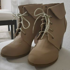 Women Boots (Size 7) for Sale in Aurora, CO