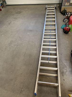 28ft Werner Ladder with leveling feet for Sale in Sumner, WA