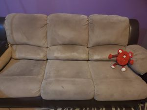2 piece futon couch for Sale in North Las Vegas, NV