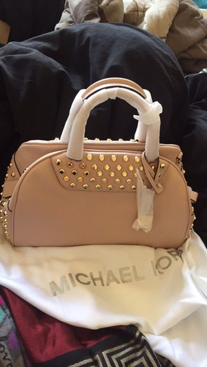Authentic and new Michael kors for Sale in Pittsburgh, PA