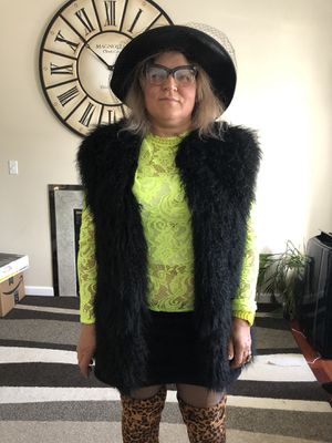 Real fur women coat vest, like new size medium for Sale in Everett, WA