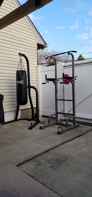 Dip Station Pull-ups Heavy Bag for Sale in Bay Shore, NY
