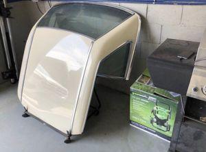 89-SL Topper for Sale in Parkersburg, WV
