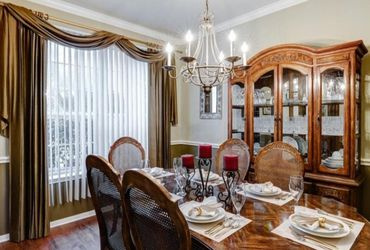 Dining Room Set And Hutch for Sale in Houston,  TX