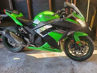 2015 Kawasaki ninja 300 ABS for Sale in Melrose Park,  IL