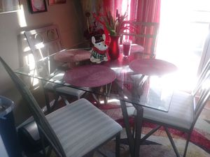 Kitchen table Like New for Sale in Lodi, CA