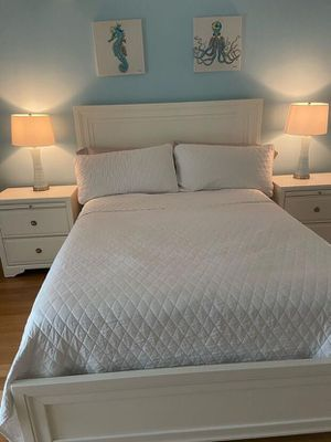 (White Bedroom Set) Feel Free To Offer Prices! for Sale in Miami, FL