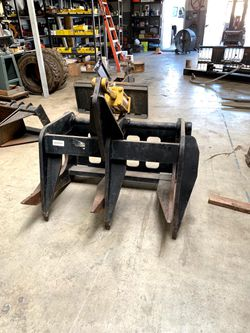 Log Grapple Skid Steer Attachment  for Sale in Torrance, CA