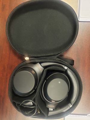 Sony Noise Cancelling Headphones WH1000XM3: Wireless Bluetooth Over the Ear Headphones for Sale in Sewickley, PA