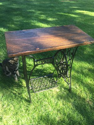 Singer table for Sale in Vancouver, WA