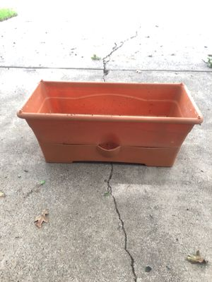 Flower pot for Sale in Colleyville, TX