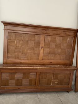 Bed King With Mattress Wood for Sale in Davenport,  FL