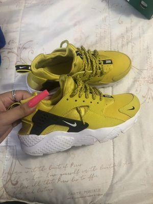 Nike roshe 4.5 y for Sale in Dallas, TX