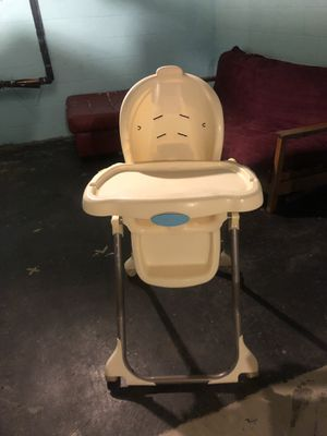 High chair for Sale in Minneapolis, MN