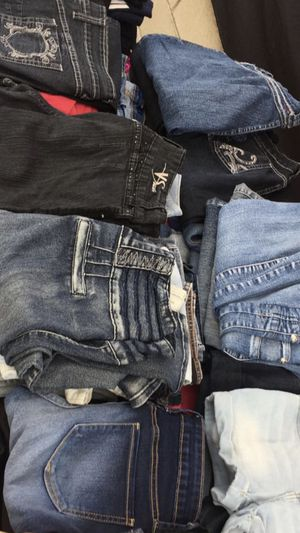 Women's Jeans $5 each. Size 15 Jeans 👖 Colombianos Levanta Pompis / Butt Lifting Jeans. for Sale in South Gate, CA