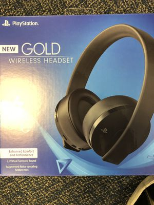 Ps4 Gold Headset for Sale in Oxon Hill, MD