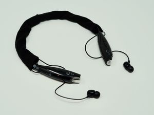 LG Tone HBS-730 Bluetooth Wireless Stereo Headset (Black) with case and neck wrap for Sale in Abington, MA