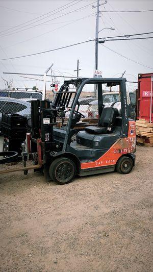 Forklift Fork lift 5000 lb Toyota for Sale in Phoenix, AZ