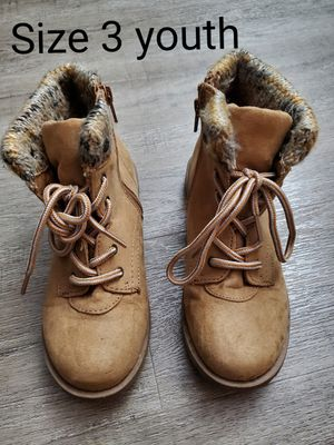 Light Brown Self Esteem Boots gently used. Size 3 youth for Sale in Renton, WA