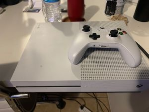 Xbox One S 500GB for Sale in La Habra Heights, CA