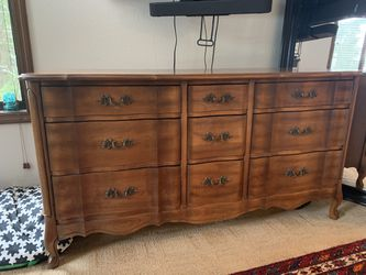 Wooden Dresser for Sale in Damascus,  OR