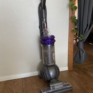 Dyson Big ball Vacuum for Sale in Chico, CA