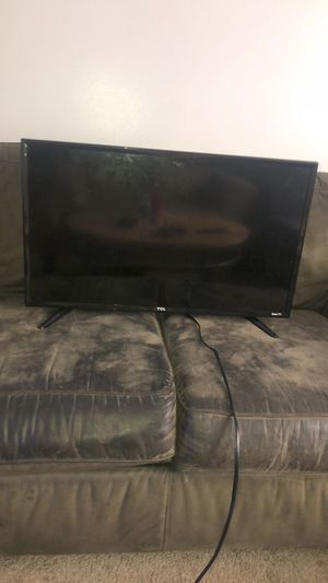 TCL Roku tv for Sale in Mount Pleasant, MI