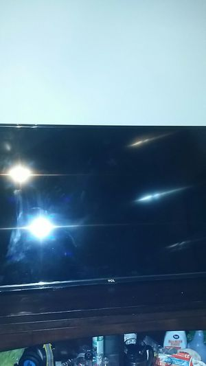 Tcl flat screen smart tv for Sale in Martinsville, VA