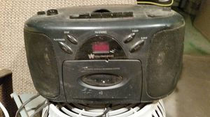 Cd player radio did play good dose need new cord that unplug from radio for Sale in Phoenix, AZ